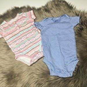 Carter's | Bundle 👚 Two Baby Girl Onesies 9 Month